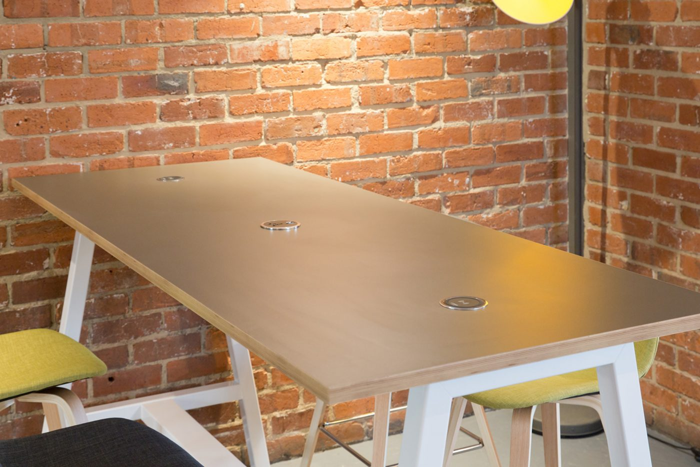 breakout table, collaborative table, integrated power, wireless charger, silver table, ply edging, contrasting edging, white frame