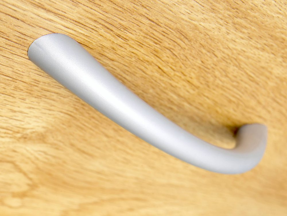 silver handle, pedestal handle, cupboard handle