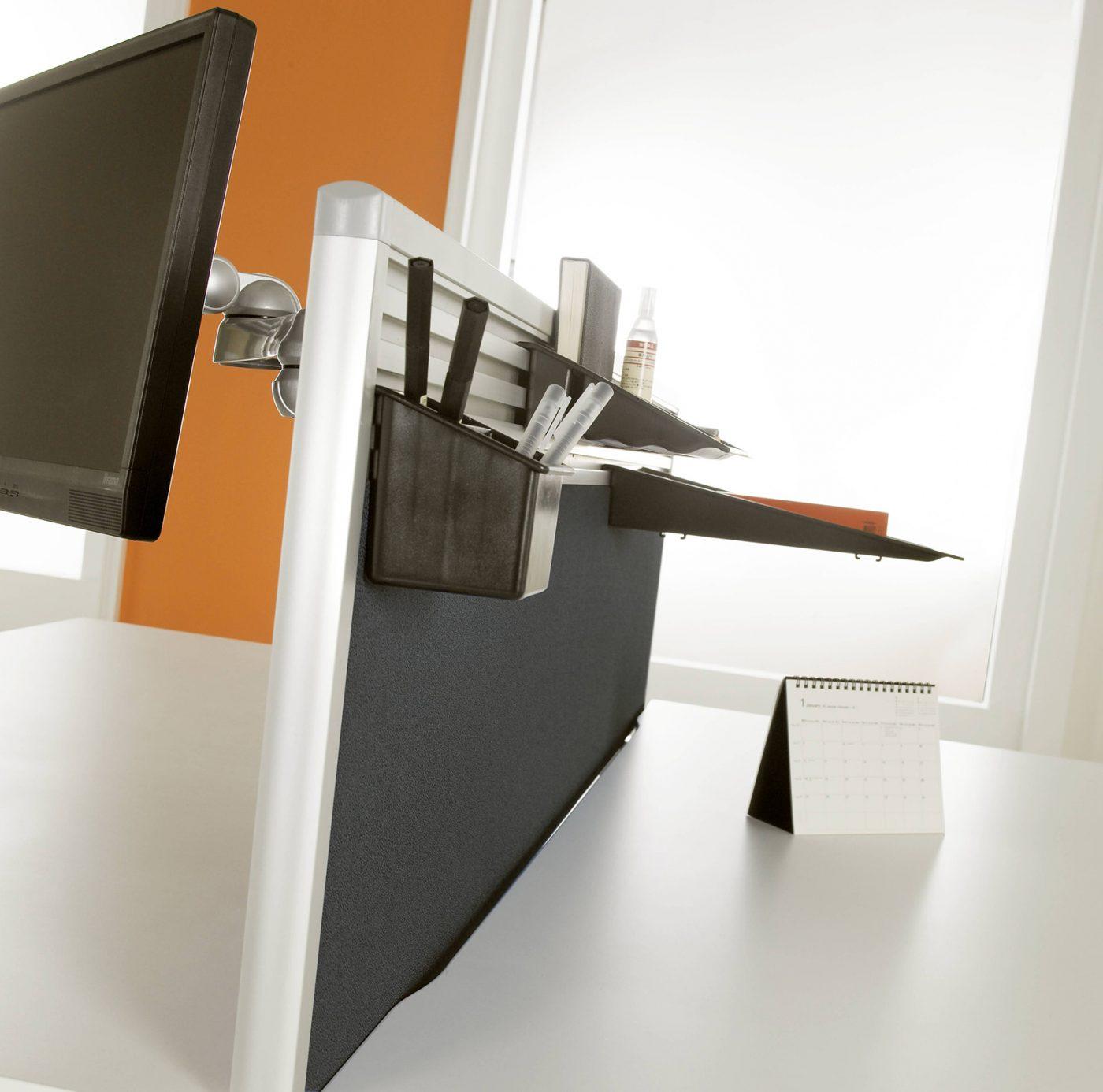 toolbar screen, desktop screen, black screen